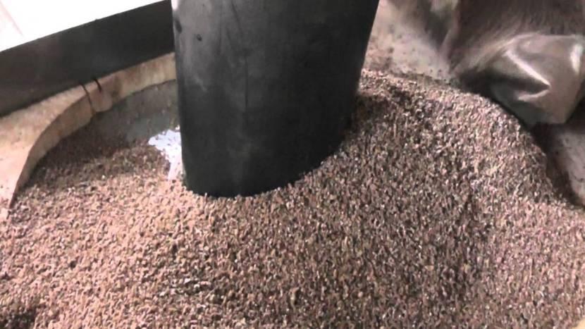 Использование керамзита для утепления трубы