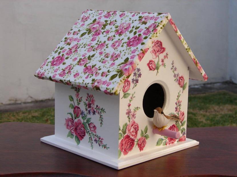 Бумажный скворечник для украшения зимнего сада
