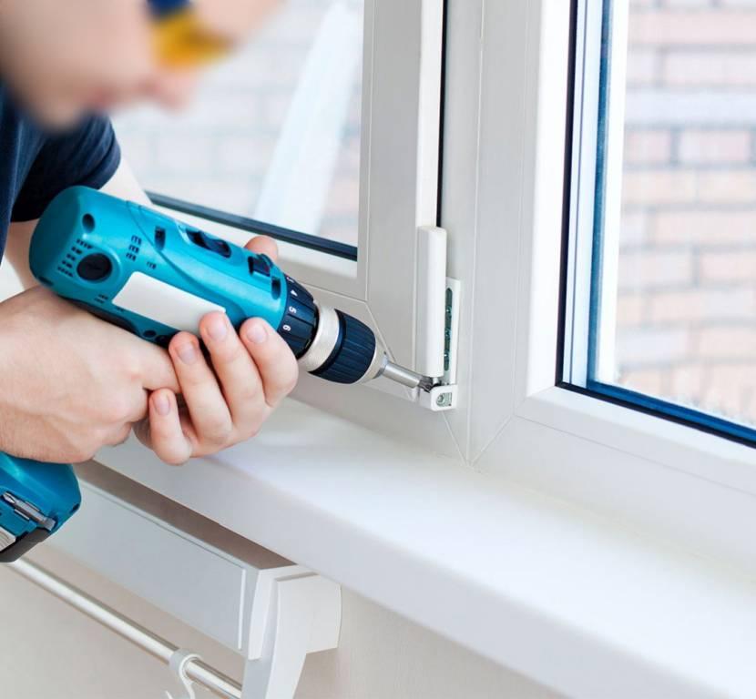 Починку окна лучше доверить профессионалам