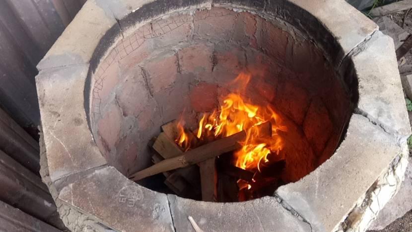 За счёт особой формы тандыр сохраняет тепло долгое время