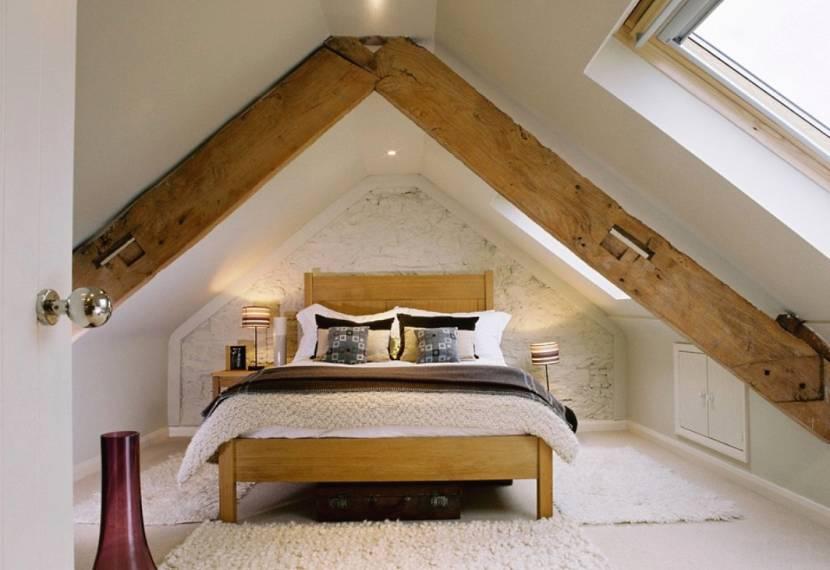 Вариант оформления спальни на чердаке