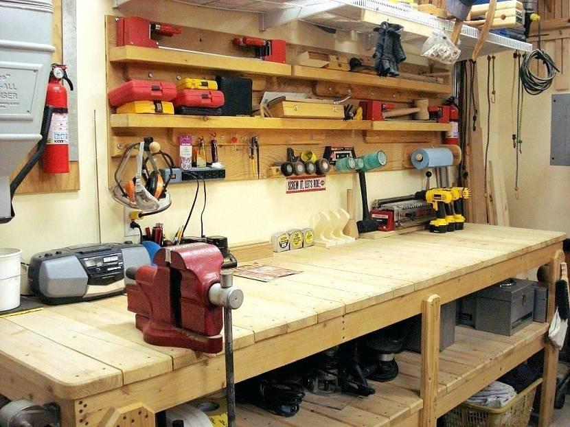 деревянный верстак в гараж