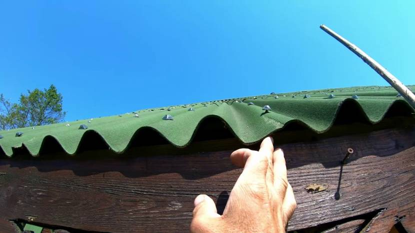 Пример небрежной кладки листов ондулина