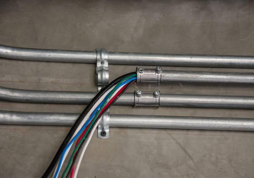 Стальные трубы для разводки внутри зданий