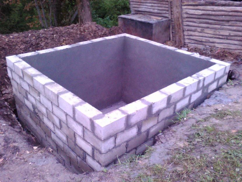 Строительство защитной конструкции для водоисточника
