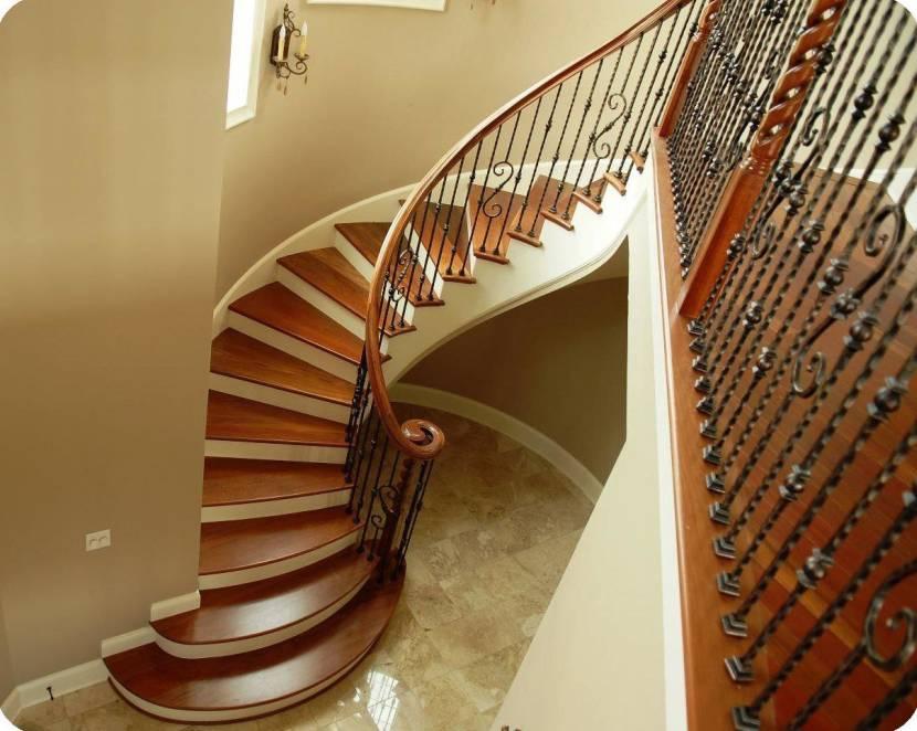 Лестница с плавными изгибами