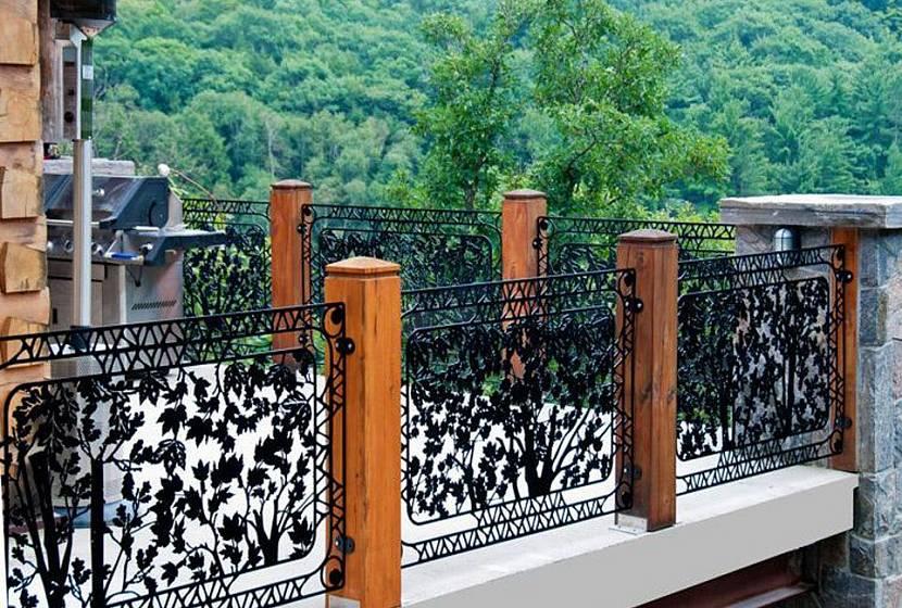 ограждение балкона из металла