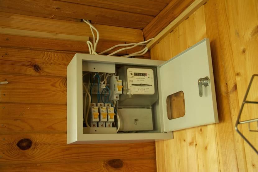 Домашняя электрификация. Распределительный щиток