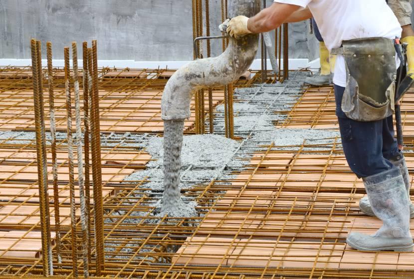 Заливка бетонной смеси класса в 20