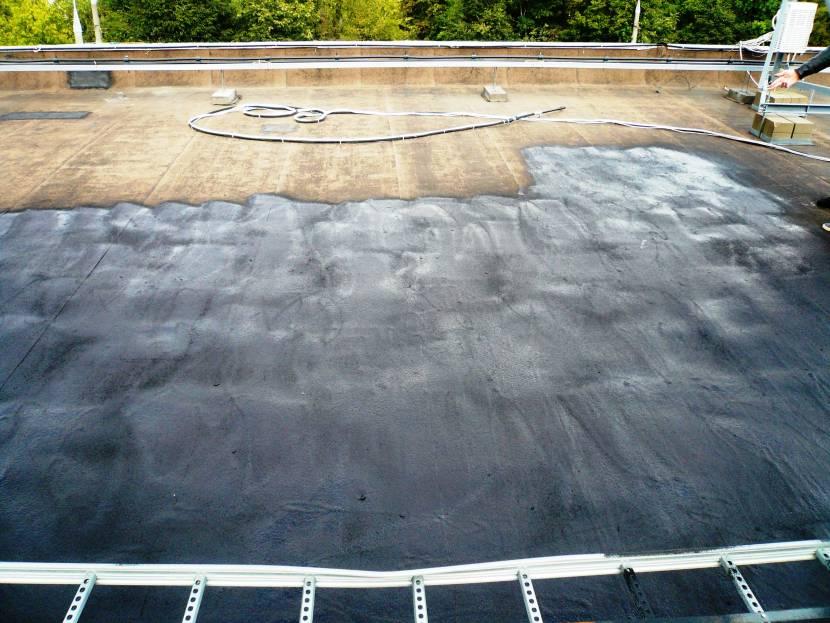 Нанесенная на плоской крыше жидкая резина