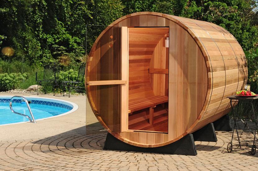 Оригинальный дизайн бани в форме бочки