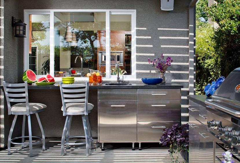 Летняя кухня-пристройка у дома