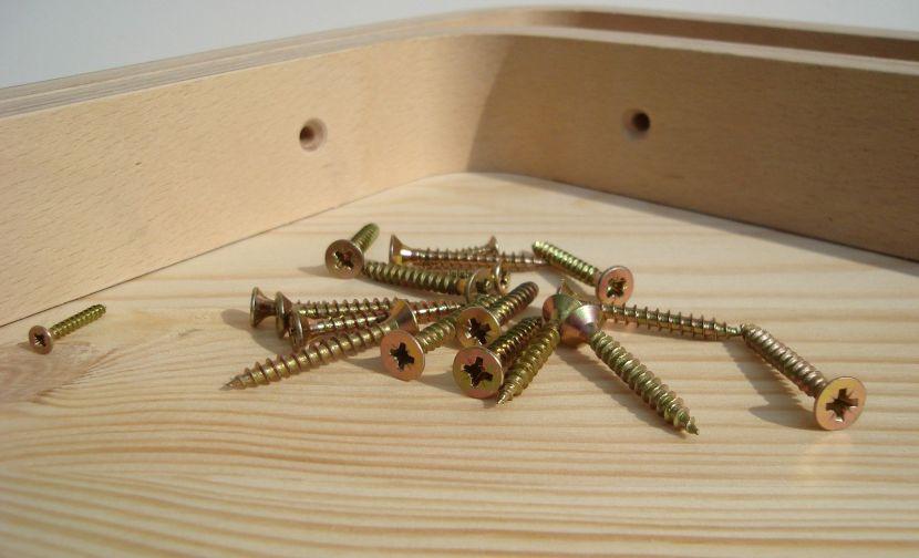Саморез желтопассивированный – лучший крепёж для сборки мебели