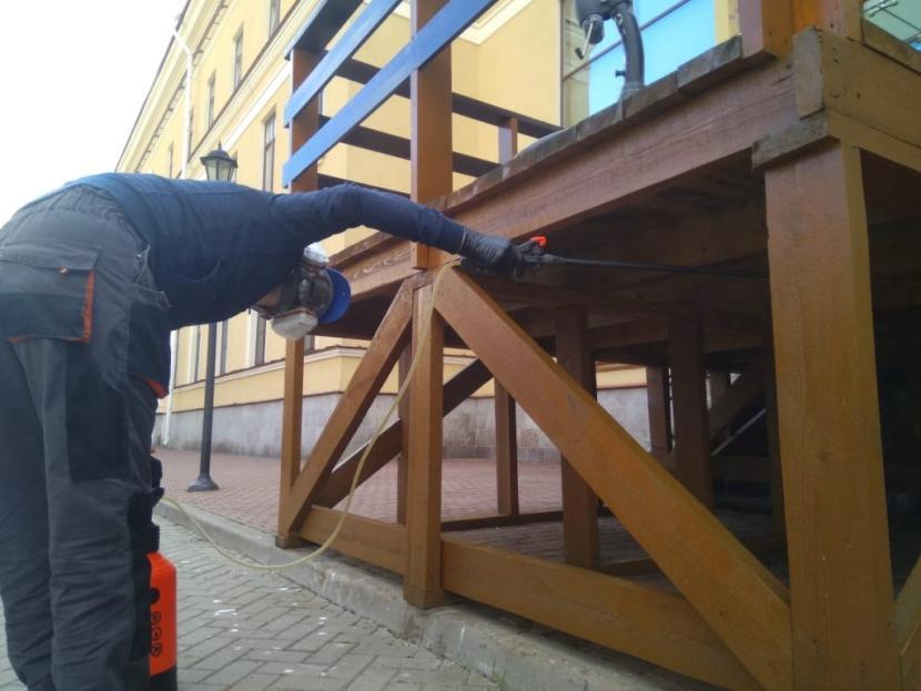Нанесение огнезащитного слоя на внешние конструкции