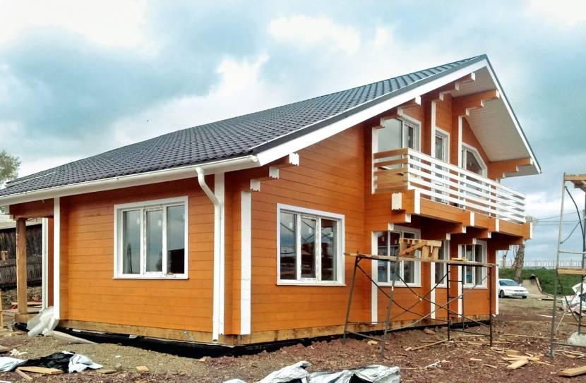 Проект с балконом на консолях
