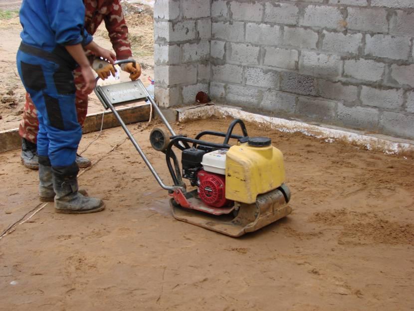 Уплотнение увлажнённого песка