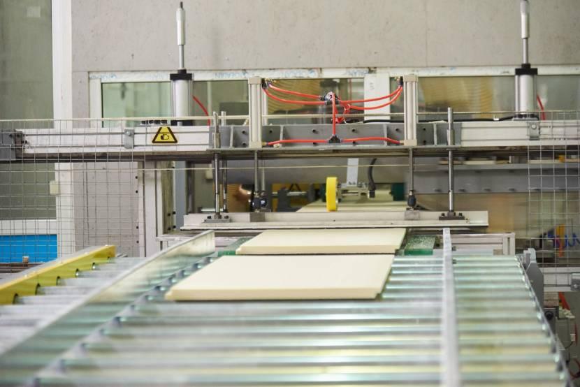 Линия по производству экструдированных плит