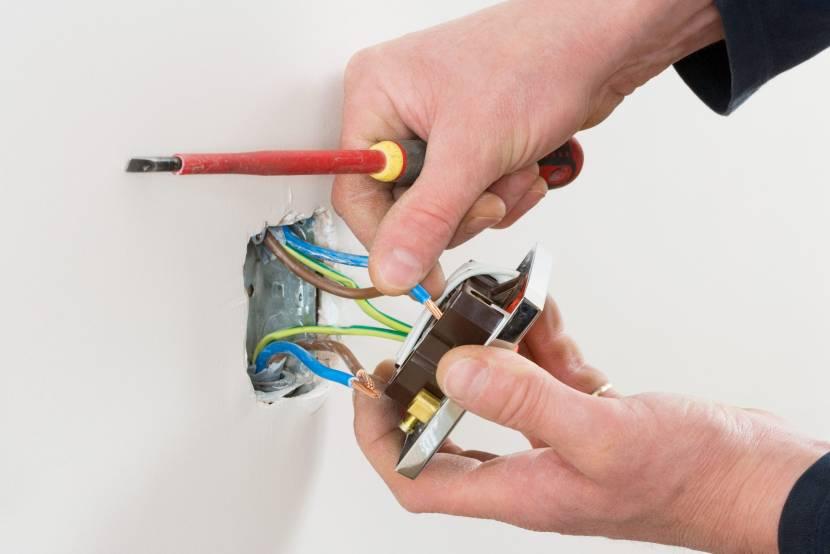Проверка проводов розетки