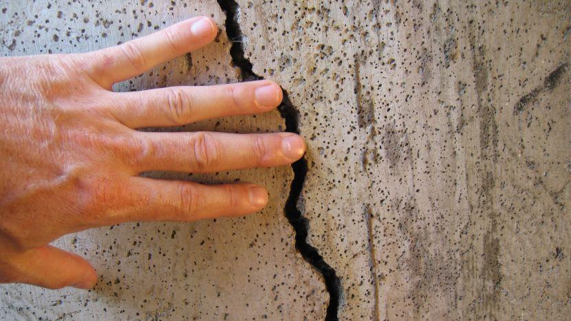 Такие дефекты требуют серьёзного ремонта
