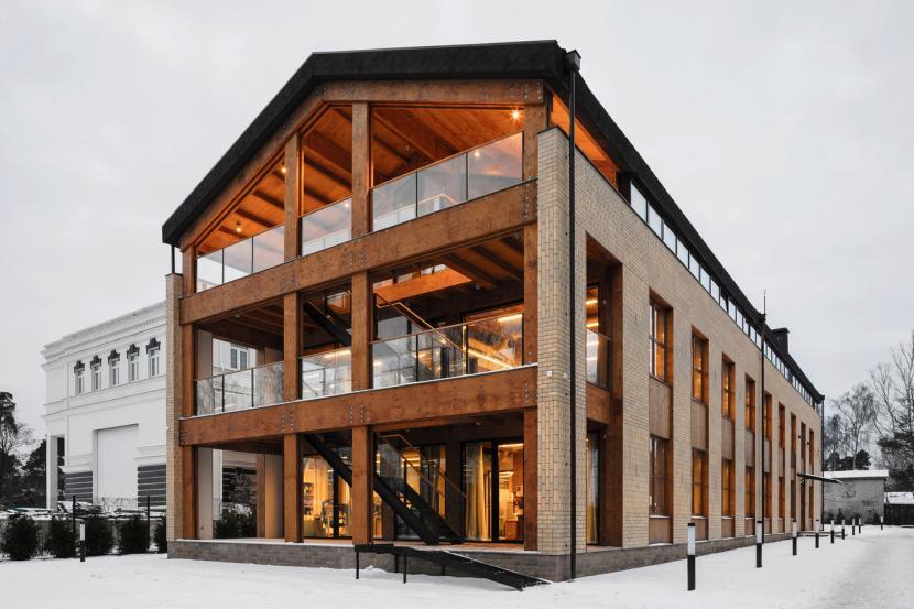Офисный деревянный дом в Питере