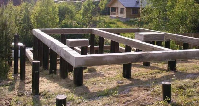 Один из вариантов фундамента со столбами и ростверком