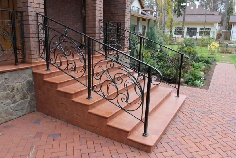 Вариант бетонных ступеней с плиточной облицовкой