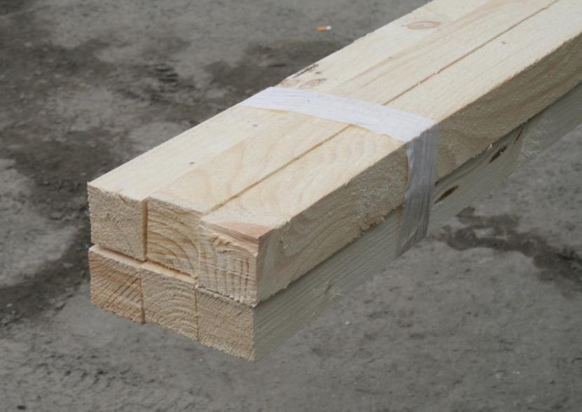 Деревянные балки для сооружения навеса