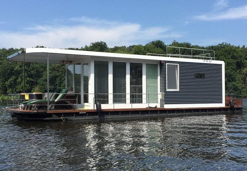 Корабль-дом для путешествий по воде