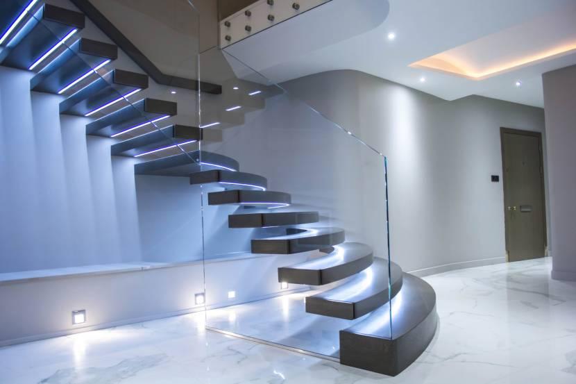 Лестница с парящим эффектом