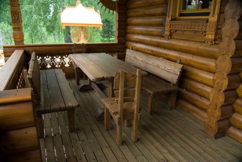 Столовая на террасе возле сауны