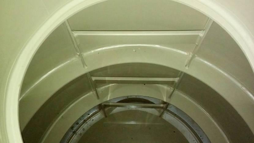 Лестница в кессоне для ремонта или обслуживания оборудования