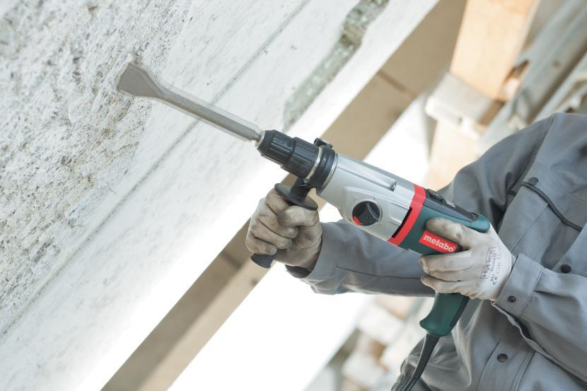 Применение перфоратора с лопаткой
