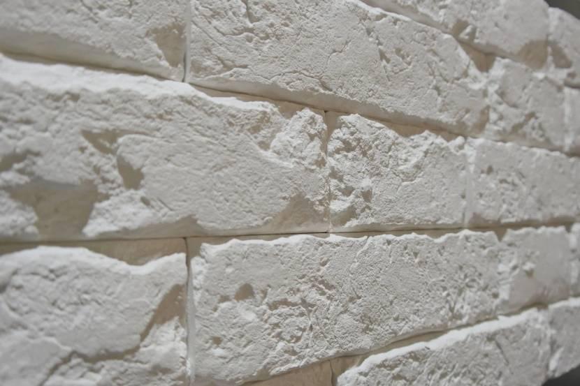 Искусственный каменный материал из гипса
