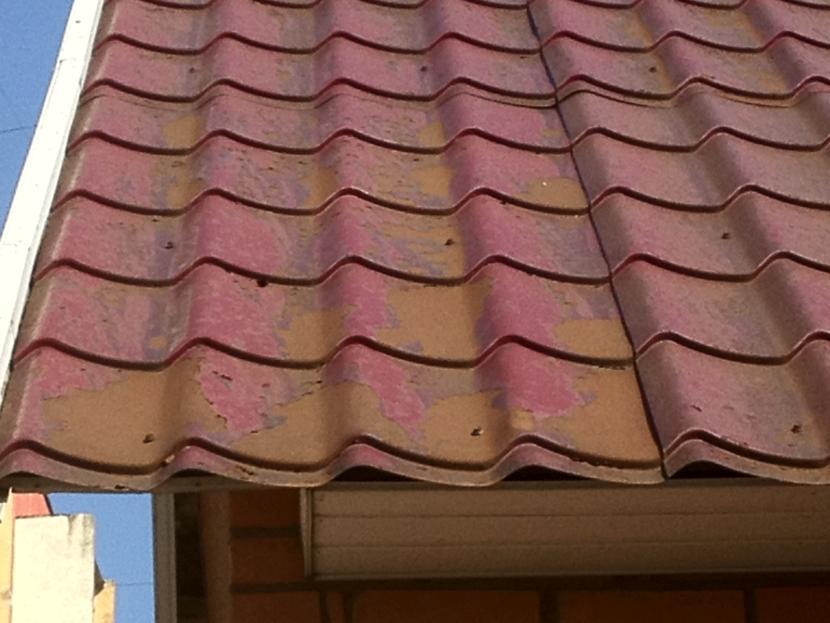 Облезлая крыша выглядит ещё хуже, чем выцветшая