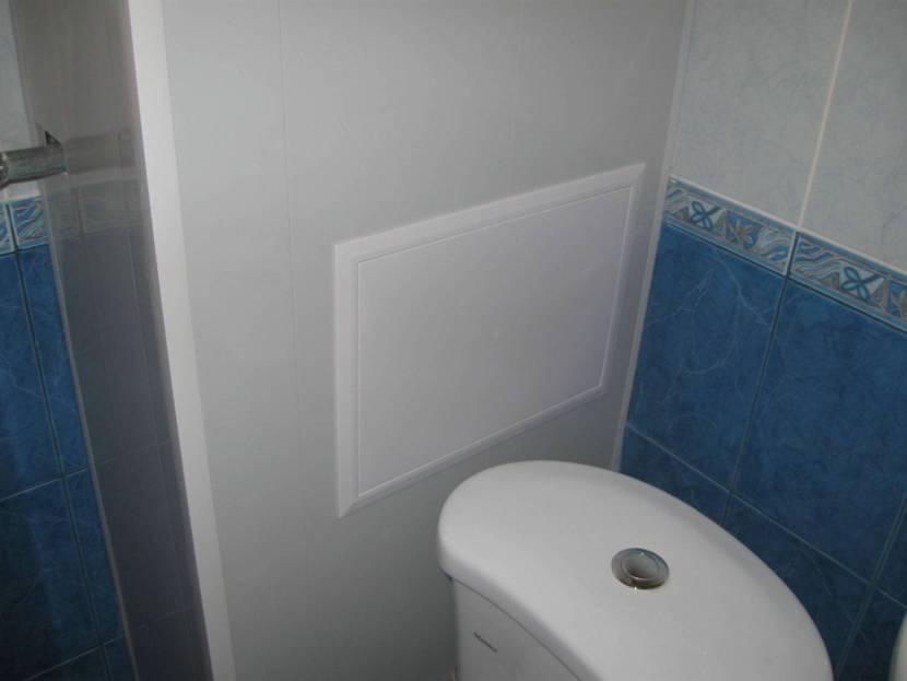 Скрытие труб в туалете за пластиковым коробом