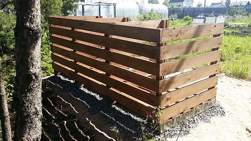 Конструкция для сооружения компостной ямы