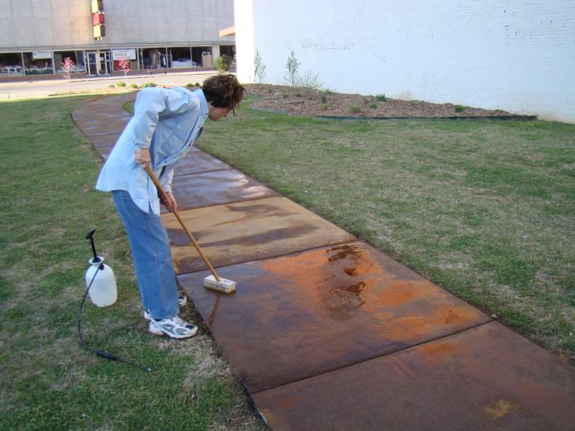 Морилка для бетонной дорожки