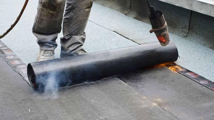 Процесс укладки рубероидного покрытия