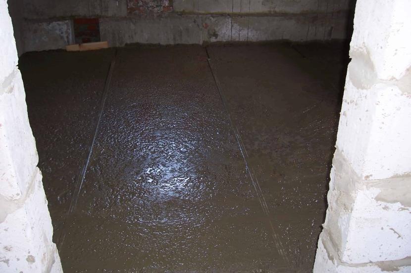 Высыхание бетонного пола