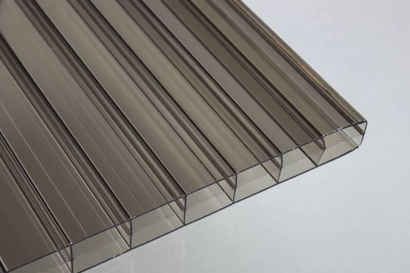 Производители выпускают листы сотового поликарбоната