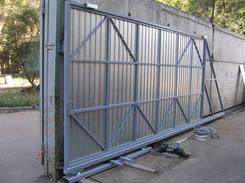 Раздвижные ворота из профтрубы